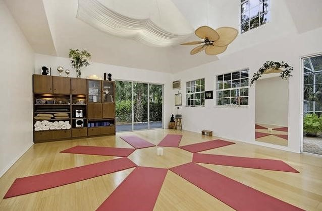 Art and decors for Yoga decorations home
