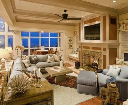 Artanddecors.com - Traditional Family Room with Rugs